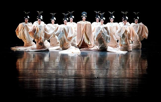 大型舞台剧演出服装设计,校园艺术舞蹈服装精品呈现!