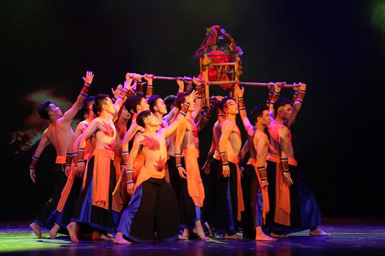 舞台灯光效果对于舞蹈服装设计的影响元素!