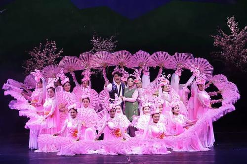 演出服装在舞台上对舞蹈的重要性
