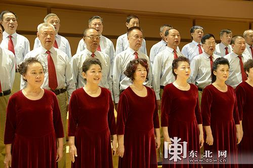 团体合唱应该怎么挑选演出服