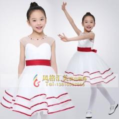 新款学生合唱服装款式该如何选择