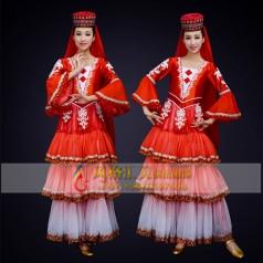 民族舞蹈服装该如何选择定制