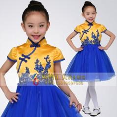学校学生演出服装设计