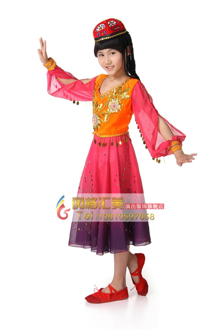 学生民族演出服装款式的设计更新