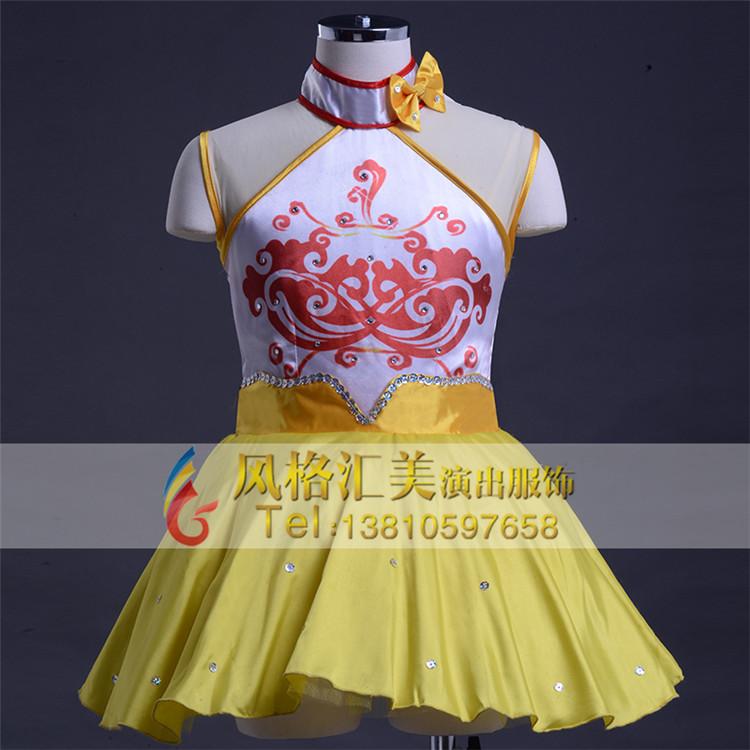 学生演出服装设计