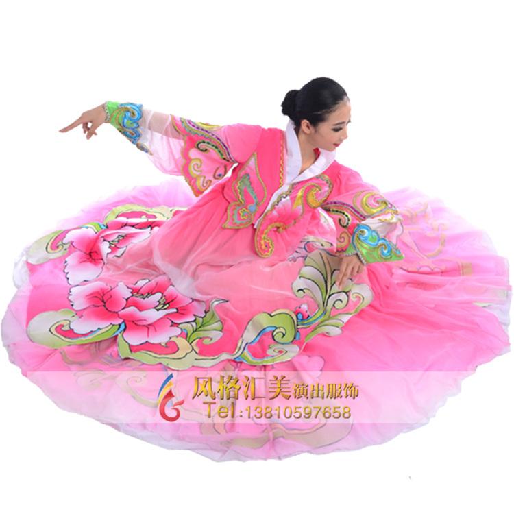 民族舞蹈演出服装定制