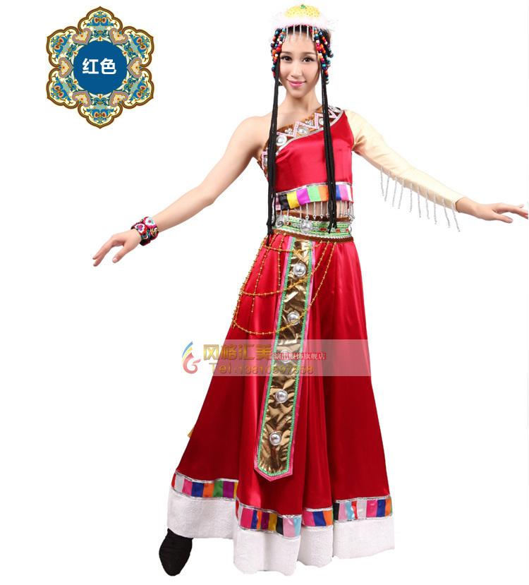 藏族人民擅長歌舞,藏族舞蹈服裝可以裝飾舞蹈,加強藏族舞蹈的感染力。時代發展至今,舞蹈的服裝,是以舞蹈為主進行設計的,是為舞蹈表演服務的。因此,服裝的式樣、色彩、裝飾,都由舞蹈本身的內容決定的。藏族舞蹈服裝設計有哪些特點? 1、藏族舞蹈服裝設計注重明度和純度較低的色調 藏族舞蹈服裝設計時采用色彩對比的方法,更好的突出舞蹈服裝。比如黑色、藍色、咖啡色等的協調,它可以與其它色彩對比采用,能起到襯托的作用,尤其是進行裝飾的時候,這種深色能使裝飾紋樣突出,使整套服裝鮮艷度和明度增加,使色彩更加強烈、明亮、歡快。 無