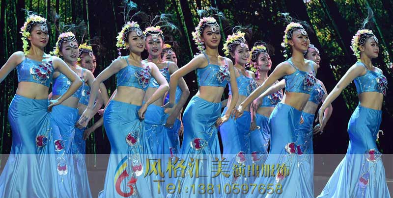 表现舞蹈作品的风格,刻画人物性格,展现舞蹈角色,突出舞蹈作品的艺术
