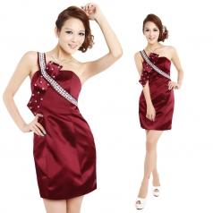 女士单肩酒红色晚礼服 主持人礼服 短款小礼服
