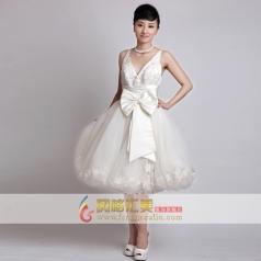 女士短款白色小礼服 深V蓬蓬纱礼服