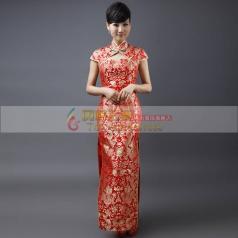 红色长款刺绣旗袍