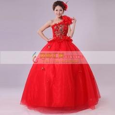 红色单肩蓬蓬裙