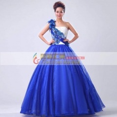 白蓝蓬蓬裙