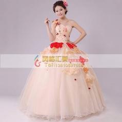 粉色花朵蓬蓬裙