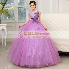 紫色蓬蓬裙