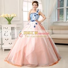 粉色蓬蓬裙
