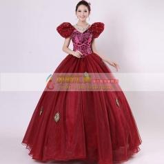 酒红色蓬蓬裙