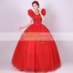 红色蓬蓬裙