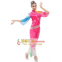 定做女士秧歌服装 玫红色演出服装 双色袖秧歌表演服服