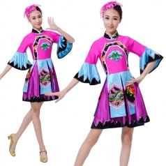 新款民族演出舞蹈服装定制设计厂家